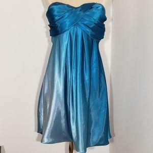 Xscape strapless cocktail dress size 6